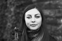 Lori Watson fiddle by Louise Bichan B&W